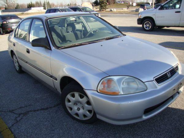 1998 honda civic LX auto 4 doors sedan,only165000KM,4 cyl,ac - $2300