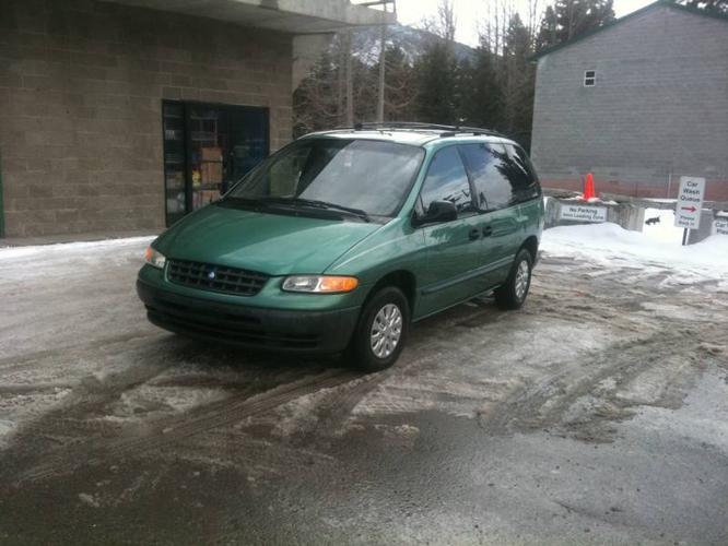 1998 Plymouth Voyager Minivan
