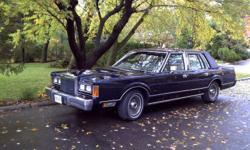1989 Lincoln Town Car Sedan