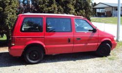 1995 Plymouth Voyager Minivan