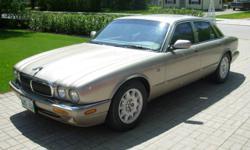 1998 Jaguar XJ8 Sedan