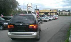 1999 Toyota Sienna LE Minivan,SUPER CLEAN IN AND OUT