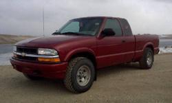 2000 Chevrolet S-10 Pickup Truck