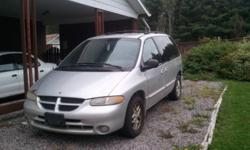 2000 Plymouth Voyager Minivan