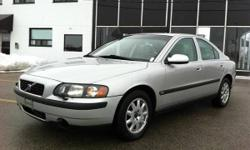 2001 VOLVO S60 - PREMIUM PACKAGE - LEATHER / SUNROOF