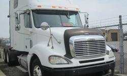 2004 Freightliner Columbia CL-12064ST pre-EGR Double Bunk Truck