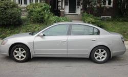 2005 Silver Nissan Altima