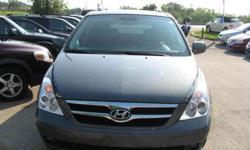 2007 Hyundai Entourage for USD