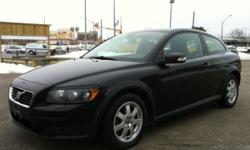 2008 VOLVO C30 2.4i - LOADED / 5 SPEED - CLEAN CAR-PROOF