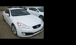 2010 Hyundai Genesis White