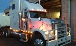 **HEAD TURNER! 06 Freightliner Classic w/Moose Bumper ***