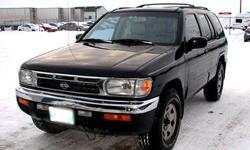 Private Sale - 1998 Nissan Pathfinder 4 x 4 - Safetied